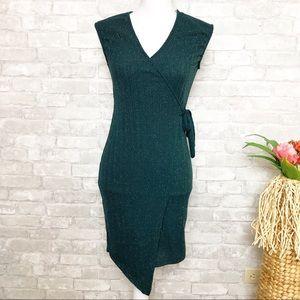 Green Glittery V-Neck Sleeveless Fitted Dress Med